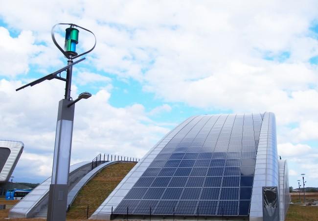 강릉 녹색도시 체험센터에 설치된 PV 패널은 하루 평균 492kWh(일 - 강릉 녹색도시 체험센터 제공